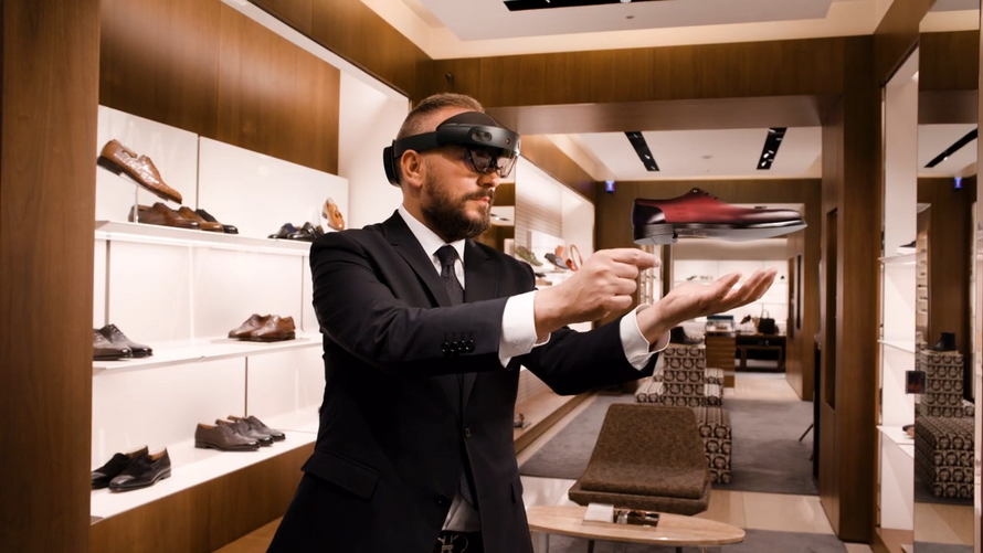 Top Italian Shoemaker adapts to Immersive Commerce with Hololens