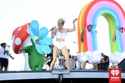 Miley Cyrus BackUp Dancers