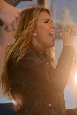 Singer Sierra Black