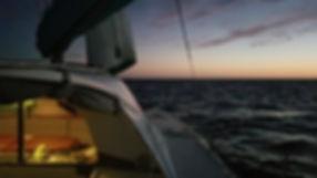 Grand large, Club de croisière, faire de la voile, apprendre la voile, croisière à la voile, croisière en catamaran, Transatlantique, transat, traversée de l'Atlantique, navigation de nuit