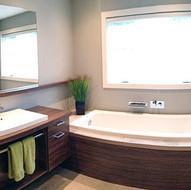 Salle de bain familliale fonctionnelle