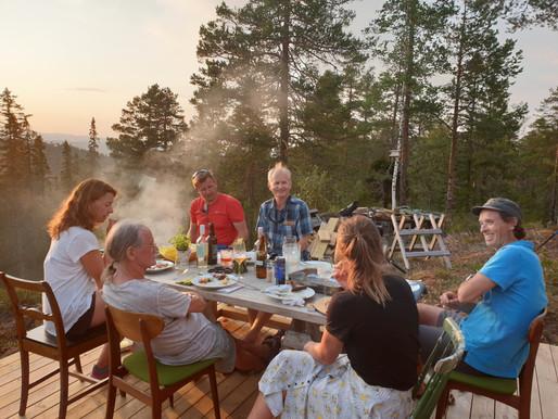 Sommeren var sosial. Men høstkveldene var lange i Oslo også: