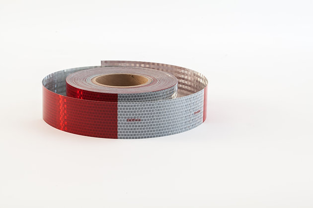 """AVERY DOT CONSPICUITY TAPE V-5720-5 2""""x50yds 6x6 RED/WHITE (5 year)"""