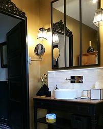 Pur metal kupaonica zlato 1.jpg