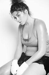 Es una disciplina desarrollada por Ximena Paula Barbano tras años de trabajo escénico como directora y una extensa carrera deportiva en el ámbito del boxeo.