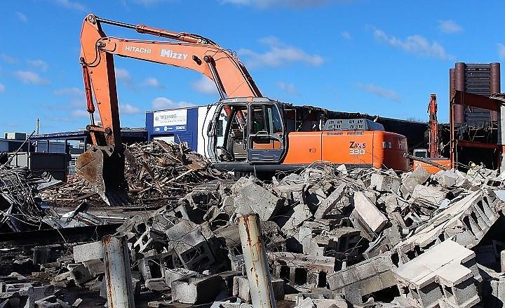 Demolition Begins At 87 Union