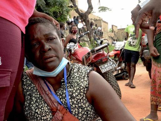 Violência generalizada e mais de 700 mil pessoas deslocadas: O que está acontecendo em Moçambique?