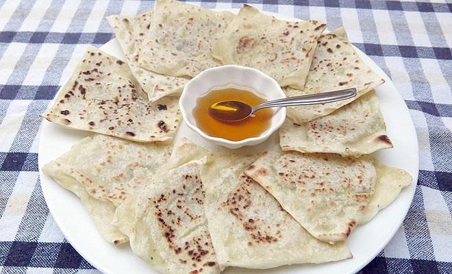 Hellim Böreği (Hellim-Filled Pastry)