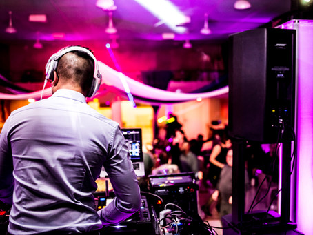 Pourquoi choisir un DJ pour l'animation musicale de votre mariage ?