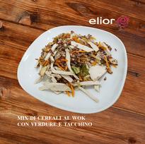 Mix di cereali al wok con verdure e tacc