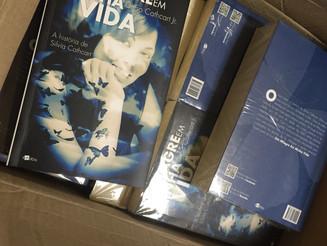 """O livro """"Um milagre em minha vida"""" chega ao Japão para o lançamento!"""