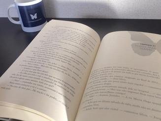 """""""Eu li (devorei) o livro"""", disse a leitora Célia."""