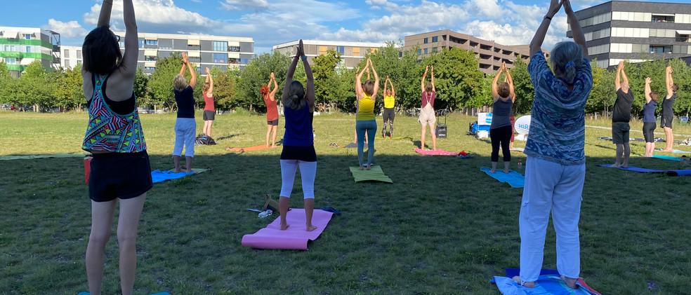 Erlenmattpark_Yoga (5).JPG
