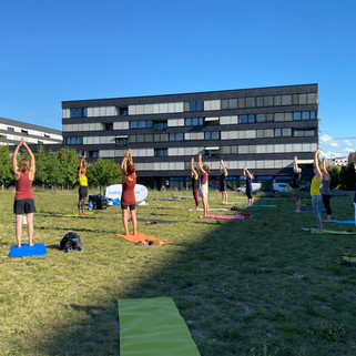 Erlenmattpark_Yoga (7).JPG