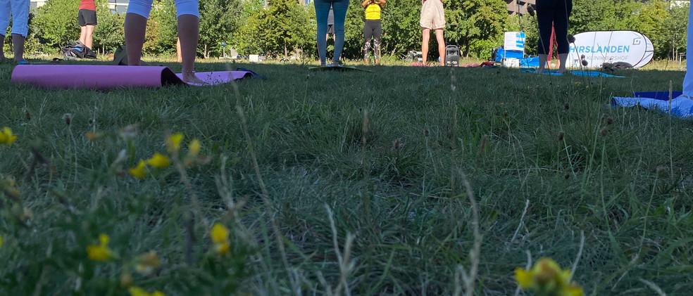 Erlenmattpark_Yoga (6).JPG