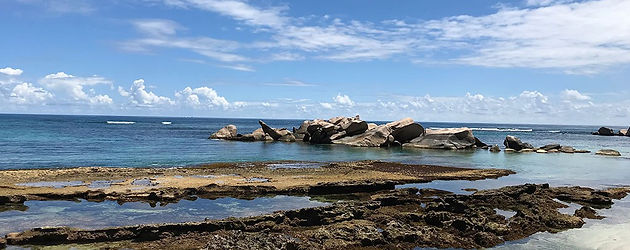 praslin consolation beach