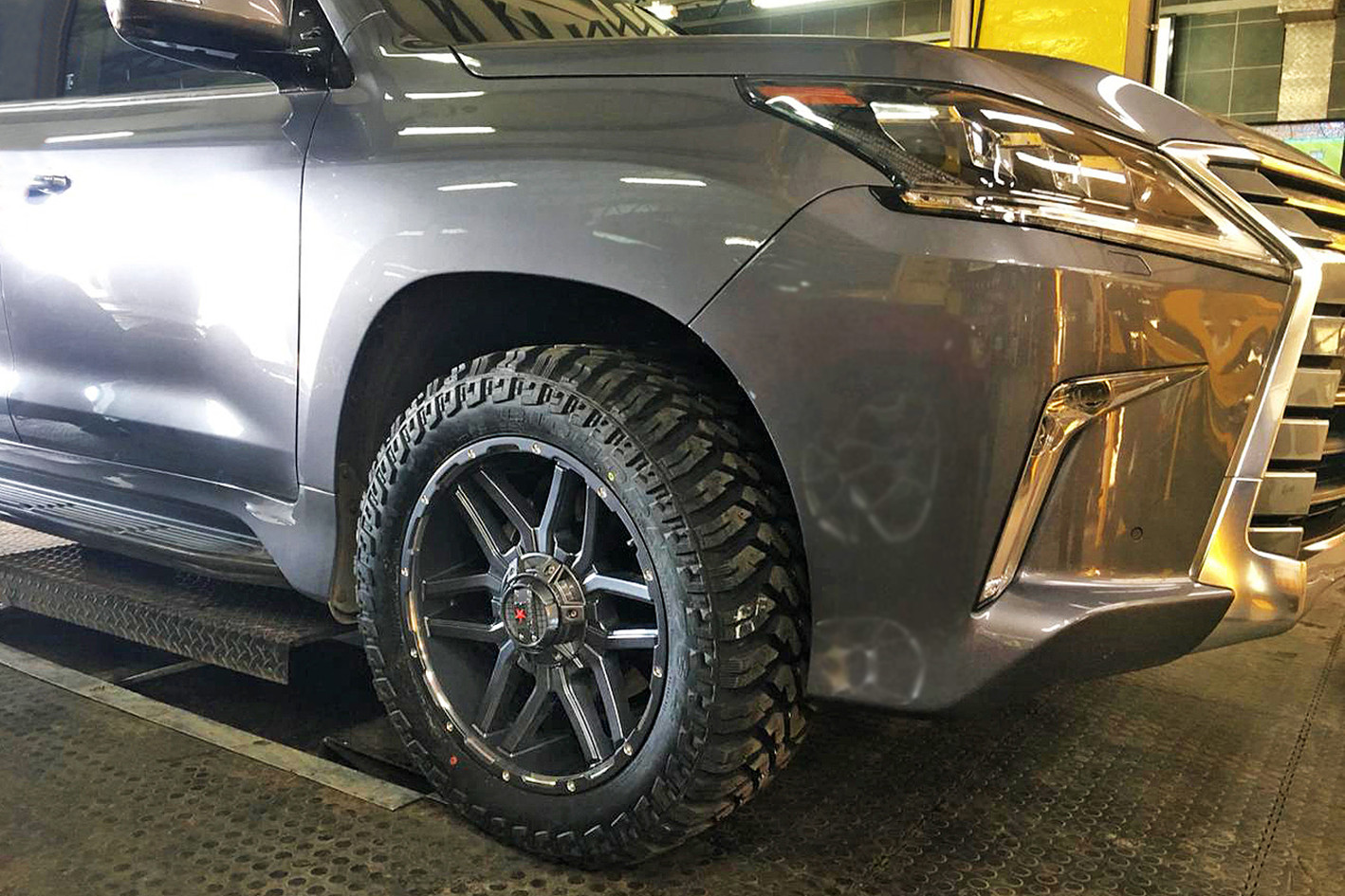 RRC3 Gunmetal Machined on Lexus
