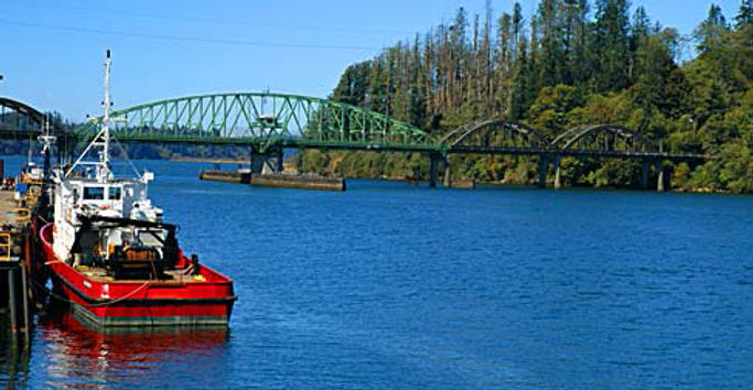 Umpqua River Bridge at Reedsportcropped.