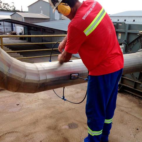 aplicação de sistema de controle de gases e odores em exaustão industrial