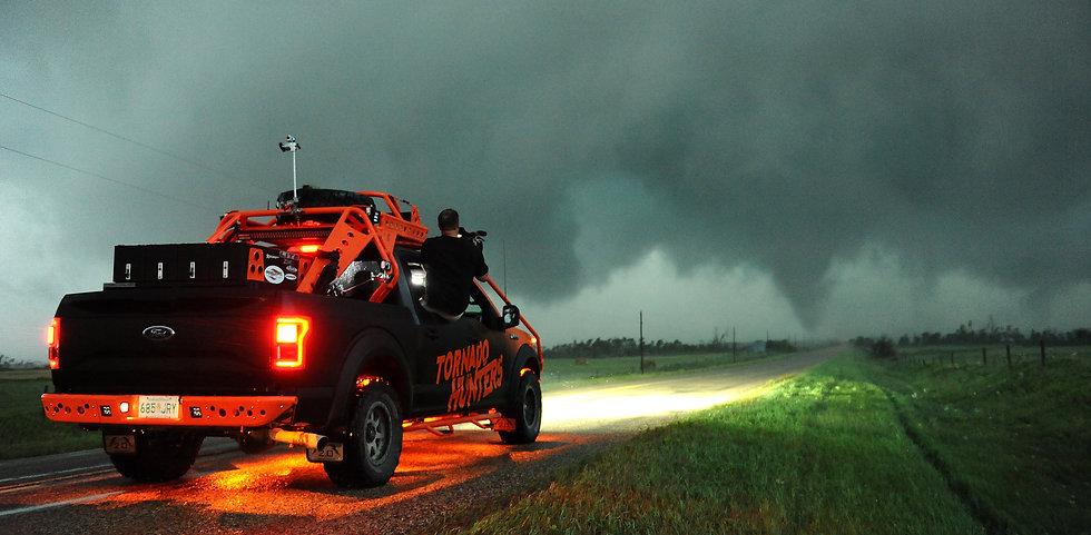 Tornado-Hunters-Manitoba-Monster