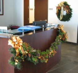 holiday_office_decor