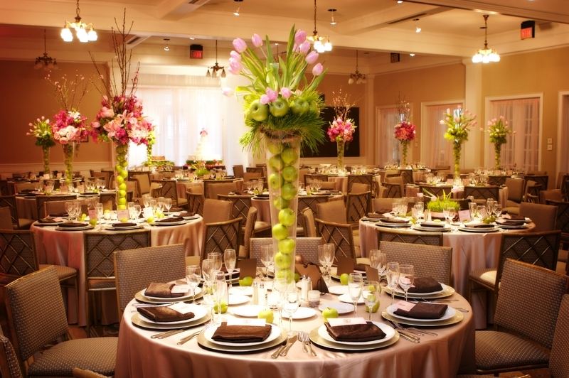 Tall-vases-for-wedding-centerpieces