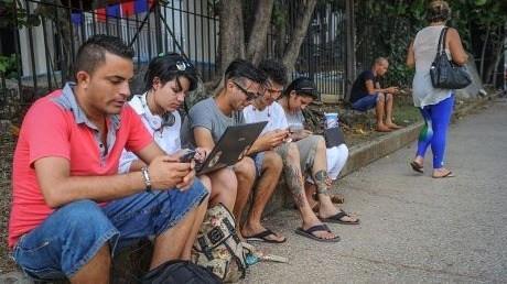 Percepciones y Opiniones acerca de Internet en Colombia