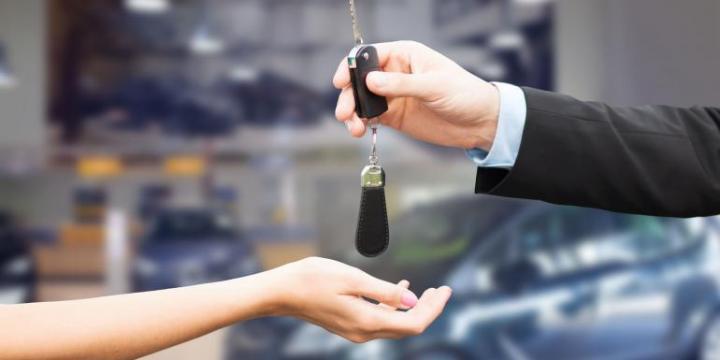 prioridades al comprar un carro nuevo, son el bajo consumo de combustible