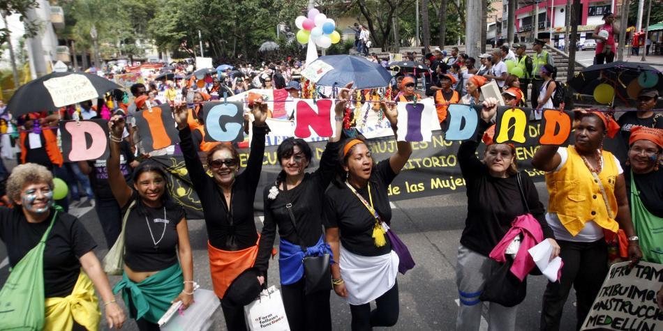 Solo el 20 % de colombianas creen que les respetan sus derechos