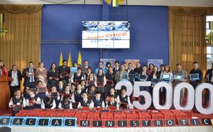 MinTIC entrega 25 mil tabletas para estudiantes y profesores de Bogotá