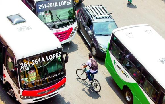 Los vehículos en Medellín se mueven a una velocidad entre 20 y 25 km/h, promedio. No es tan baja, según expertos, pero para que no se siga reduciendo se requieren medidas de fondo.