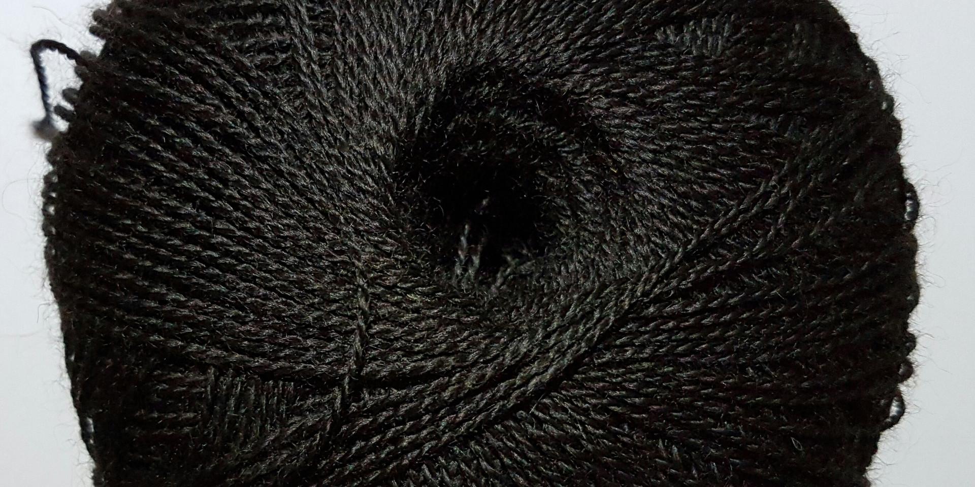 2018 - black yarn 004.jpg