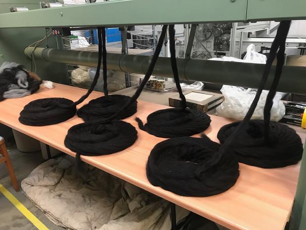 Black fleece to yarn