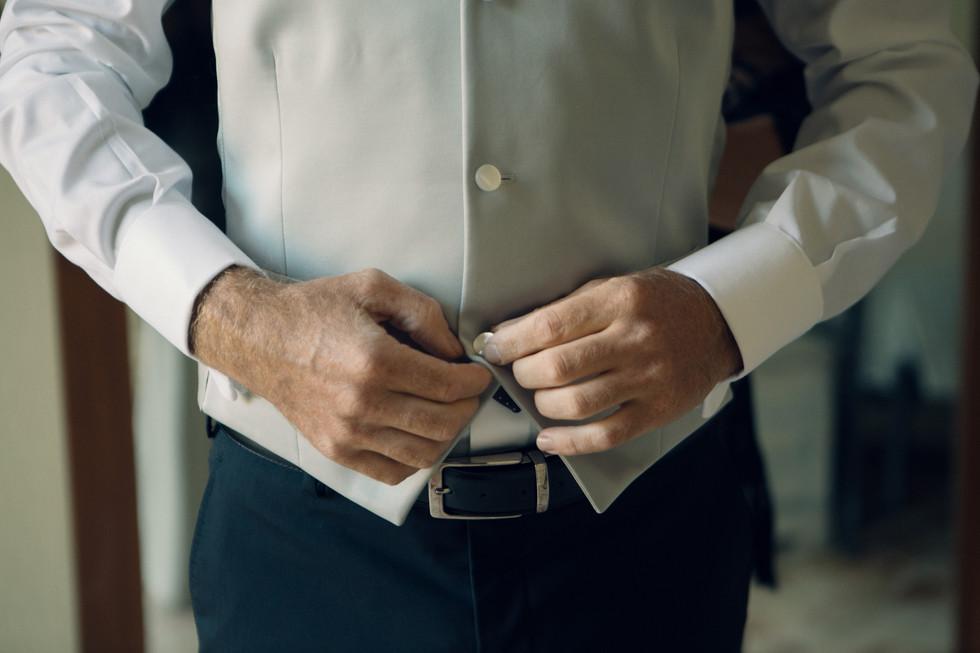 Dettaglio abito da sposo