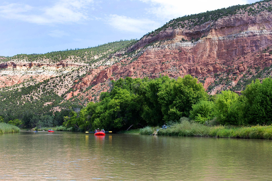 Gorgeous Rio Chama Overnight boating trip with Santa Fe Rafting in Santa Fe New Mexico. Explore a unique side of New Mexico.