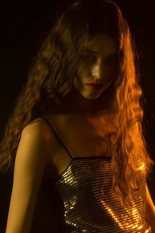 TINE Photography: Leentje Brands Model: Tine Casteleyn @jillmodelmgmt Mua & Hair: Hade Deneef