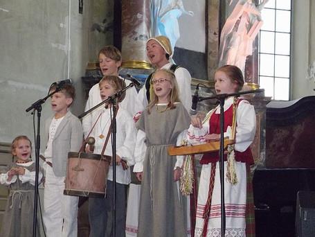 """""""Debesėlių"""" koncertas Šv. Kotrynos bažnyčioje 2013 m."""