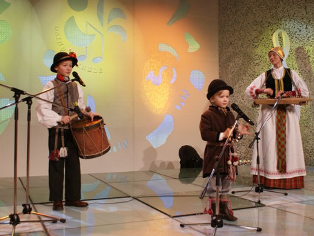 """TV konkurso """"Dainų dainelė"""" - 2010m. Finalininkai: Liudvikas ir Kasparas Račai."""