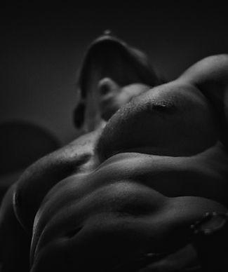 naked-1847866 kopio.jpg