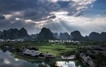 Tour Guide in Guilin China
