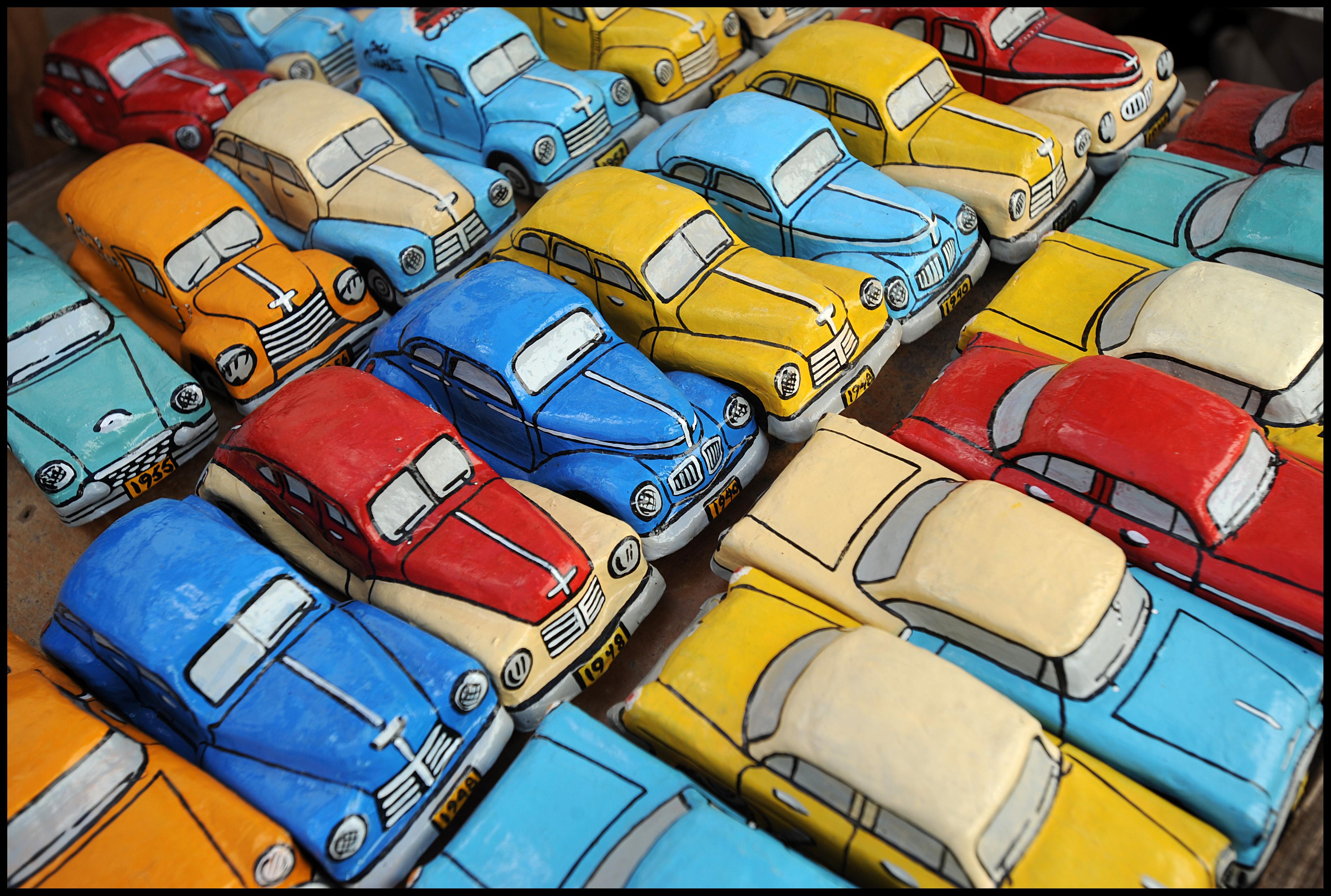 SOUVENIR CARS