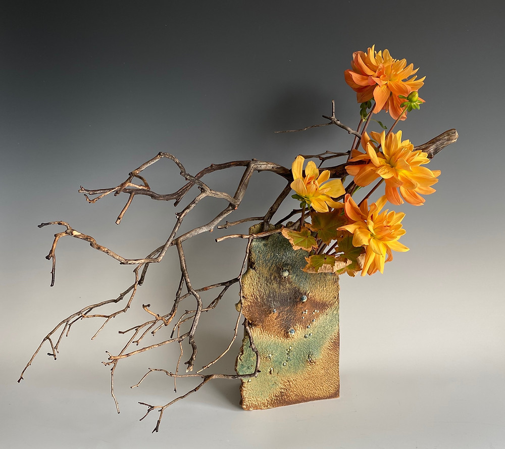 Ikebana without kenzan, Dahlia and Manzanita