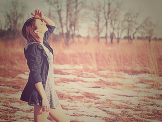 Winter prairie portrait shoot w/ Jenn