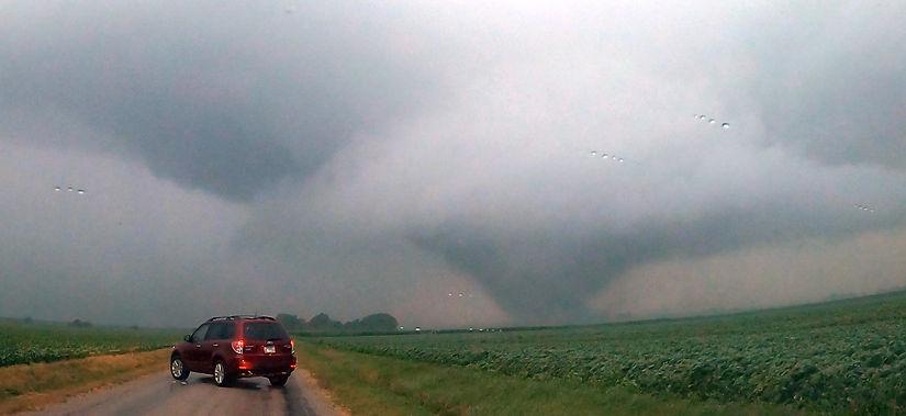 7-15-cloud mobile-divernon tornado-2.jpg