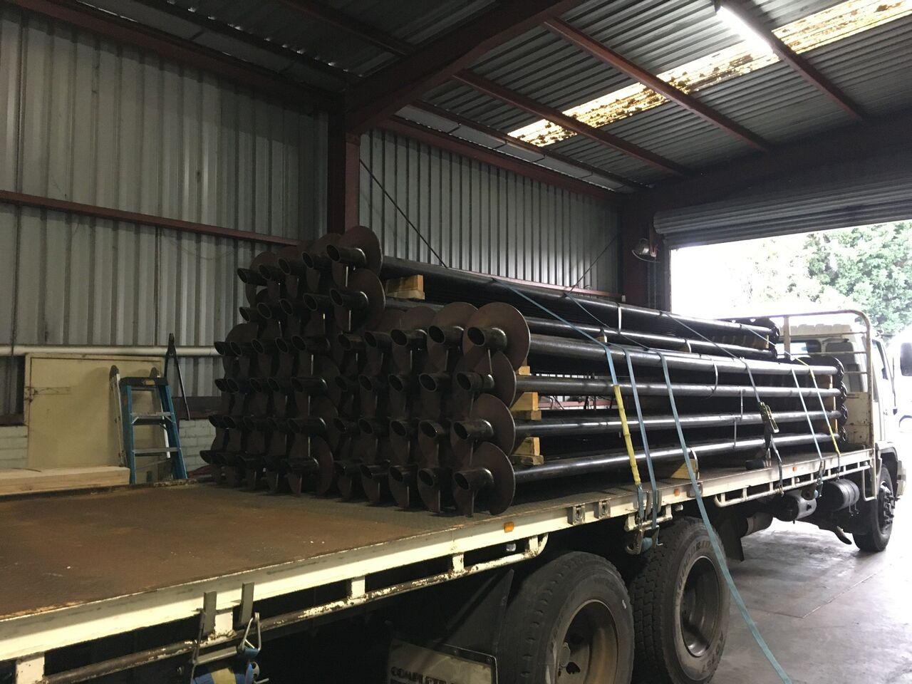SCREW PILE SITE DELIVERY