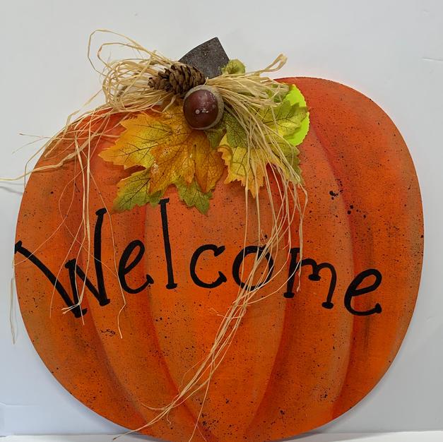 Single Pumpkin Hanging Welcome