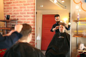 Men's haircut with Frank
