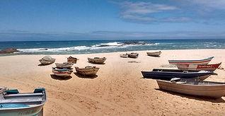 barcos na praia_edited.jpg