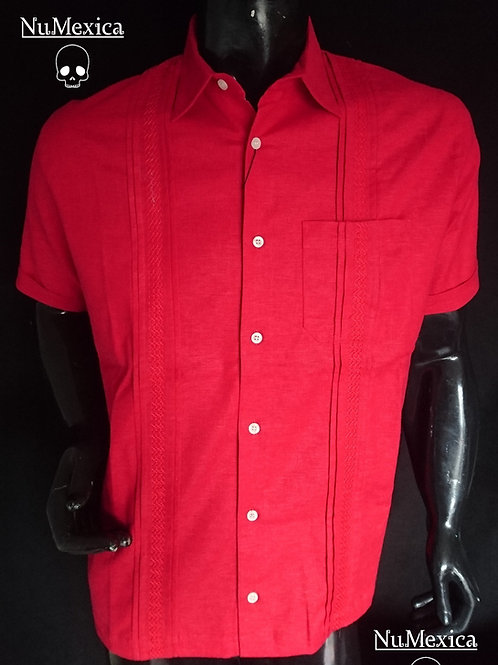 Camisa tipo guayabera M/C bordado rojo