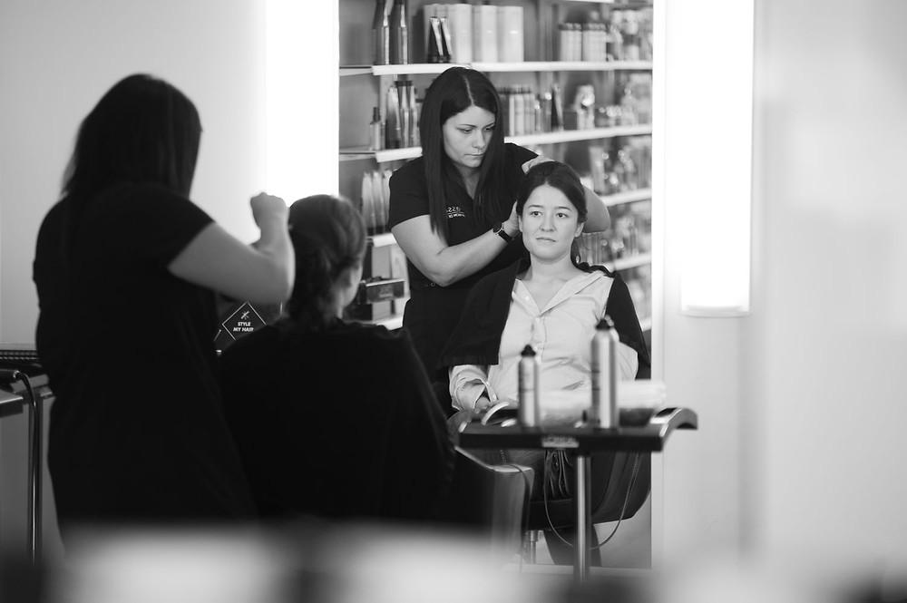 Photographe mariage coiffeur chez Passage Bleu à Thionville